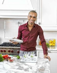 Celebrity party planner Travis London shakes up sexy Valentine's Day cocktails.