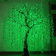 Salice piangente a #led  Alberi a LED disponibili in diversi modelli e colorazioni. #arredo #giardino #garden #design #outdoor #moon