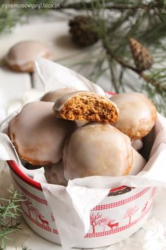 Lebkuchen  tradycyjne niemieckie pierniczki Polish Recipes, Fabulous Foods, How Sweet Eats, Food Design, Christmas Baking, Sweet Recipes, Baking Recipes, Food To Make, Sweet Tooth