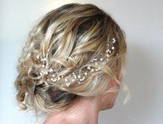 Pearl Crystal Hair Vine Wedding Hair por RoslynHarrisDesigns, $50.00