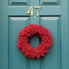 54 Festive Christmas Wreaths: Red Berry Wreath