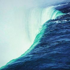 Over the edge of the Niagara Falls Ontario - Canada  _____________________________________  #niagarafalls #niagara #ontario #igcanada #canada #naturelovers #nature #instanature #igtravel #wonderful_places #vsco #vscocam #vsconature #waterfoam #waterfall #waterfalls #landscapelovers #naturaleza #igers #clearwater #bluewater #earthporn #igusa #natuegram #landscape #view #explore #instagramers #igdaily #instatravel by ambroelio