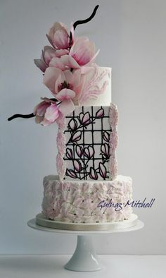 Magnolia cake Cake craft guides Wedding Cakes and Sugar flowers issue 26 by Gulnaz Mitchell Beautiful Wedding Cakes, Beautiful Cakes, Amazing Cakes, Wedding Cake Guide, Magnolia Cake, Double Barrel Cake, Violet Cakes, Pink Cakes, Luxury Cake