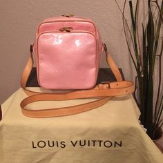 Authentic LV Wooster In amazing condition! Don't miss out!! Louis Vuitton Bags Crossbody Bags