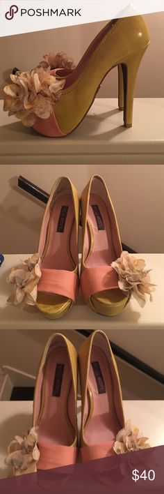 Platform peep toe pump with flower detail Light green peep toe pump with pink/white flower detail on the side. Pre-owned, worn only twice Mojo Moxy Shoes Platforms