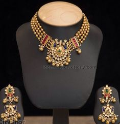 Four layers 92.5 silver metal gold polished balls classic choker with pretty kundan polki pendant