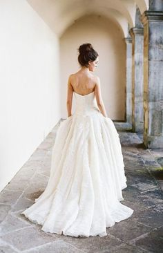 beautiful,so beautiful dress,and it's best for bride