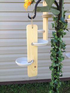 Poti iesi in evidenta cu aceste idei practice de suporturi si ghivece pentru flori