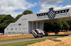 Nissan JUKE goes on two wheels at Goodwood