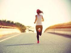 Mit der richtigen Dosis Sport bleiben wir länger jung. Was beim Jungbleiben hilft und worauf wir besser verzichten - die 14 wichtigsten Tipps.