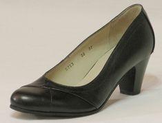 Alföldi Cipőbolt - alföldi cipők - alföldi papucsok - csizmák - saruk - bakancsok - néptánc cipők Peeps, Peep Toe, Shoes, Fashion, Moda, Zapatos, Shoes Outlet, Fashion Styles, Shoe