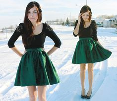 What an adorable Christmas outfit! I love the green skirt! if only my green skirt was dark green instead of bright, i could so do this!