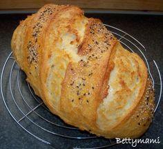 Egyszerü kovászos öregtésztás fehér kenyér