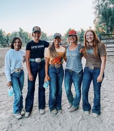 Cowgirl Style Outfits, Western Outfits Women, Country Style Outfits, Southern Outfits, Rodeo Outfits, Western Dresses, Cute Casual Outfits, Country Girl Style, Foto Cowgirl