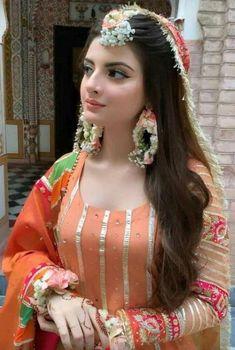Pakistani Bridal Makeup, Bridal Mehndi Dresses, Pakistani Fashion Party Wear, Pakistani Wedding Outfits, Pakistani Wedding Dresses, Pakistani Dress Design, Bridal Outfits, Bridal Lehenga, Shadi Dresses