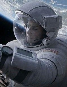 Sandra Bullock Gravity. Poor little space woman.