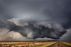 Powerful double tornadoes photos.