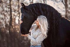 """Eliane van Schaik photography on Instagram: """"Britt Dekker en haar knappe paard Vito <3  Vandaag is weer een actief dagje achter de computer. TO DO lijstjes afwerken... dat hoort er ook…"""""""