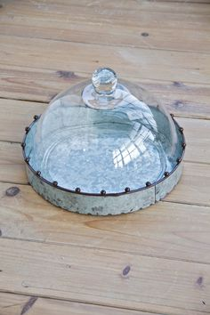 Classic Glass Dome with Metal Tray