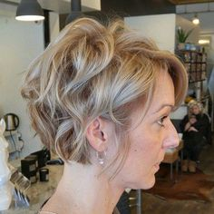 Tousled+Curly+Short+Hairstyle+For+Fine+Hair