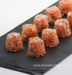 Looks yummy! Appetizers For Party, Appetizer Recipes, Snack Recipes, Cooking Recipes, Salmon Appetizer, Food Decoration, Mini Foods, Appetisers, Snacks