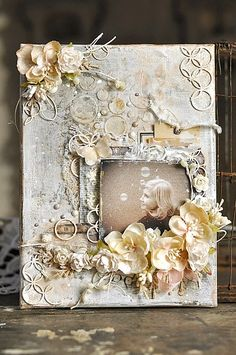 cynkowe poletko: mixmedia DIY Frame from Polish blog use translate to find written tutorial.  Beautiful!