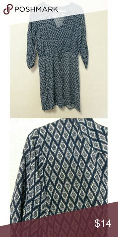 Patterned V-Neck Dress Blue and white diamond patterned dress with a v-neck. If you have any questions, feel free to leave them in the comments! Reasonable offers will be considered (only through the offer button)  ❀ r2d Dresses