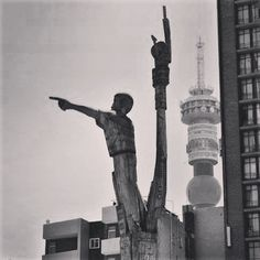 The Jozi skyline! Instagram Feed, South Africa, Beautiful Pictures, The Past, Skyline, Touch, Urban, Sculpture, History