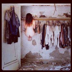 eccomi qui con il solito problema....tanti vestiti e niente da mettere
