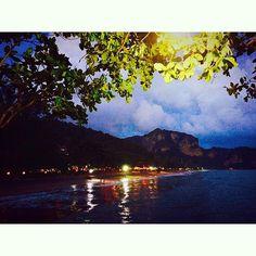#aonang #aonangbeach #goodplace #krabi #0824 #sunset #beautifulplace #night  不同視角的奧南海灘 晚上的海灘很美 by carey_chung