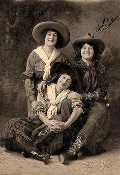 True West's Best Western Wear for 2014 - True West Magazine Donning long, wide-legged split skirts, rodeo cowgirls Dorothy Morrell, Vera McGinnis and Edythe Sterling busted Victorian modesty wide open. Cowgirl Photo, Vintage Cowgirl, Cowboy And Cowgirl, Best Western, Western Art, Western Crafts, Vintage Pictures, Old Pictures, Old West Photos