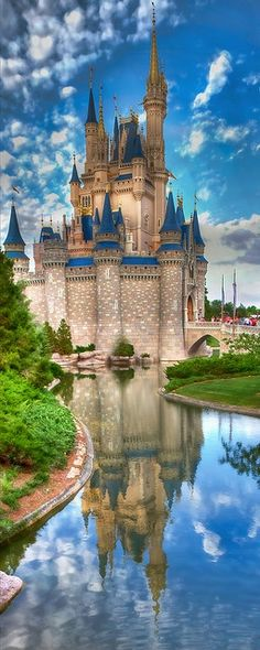 Schloss castle Neuschwanstein near Munich, Germany. This castle was the inspiration for the castles built on Disneyland & Disney World - by Paul Vo Walt Disney World, Mundo Walt Disney, Disney Parks, Disney Disney, Disney Word, Disney 2015, Disney Travel, Disney Dream, Beautiful Castles