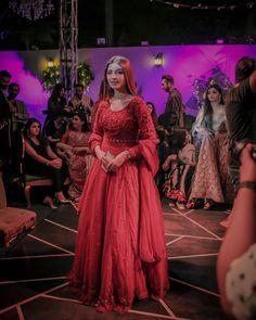 Pakistani Frocks, Pakistani Dresses Casual, Pakistani Dress Design, Casual Dresses, Pakistani Actress, Fancy Dress Design, Stylish Dress Designs, Designs For Dresses, Dress Indian Style