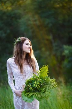 The editorial features a bride submersed in nature and is shot in a very minimalist way. These photos just put the emphasis on the bride, her dress and her surroundings.