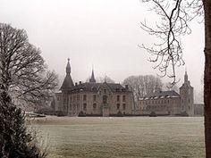 Le château de Boussu-en-Fagnes, en hiver