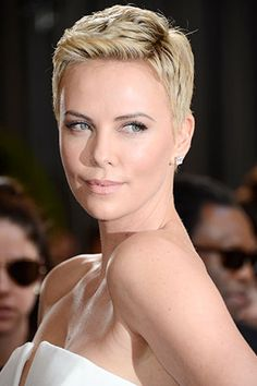 Charlize Theron giving us major skin envy. That glow! Pati Dubroff used Dior's BB Cream on her skin. #makeup #Oscars