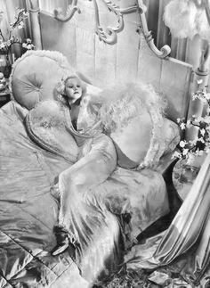 Jean Harlow, 1933