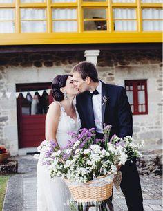 Zaida, Victor y su encantadora boda 100% handmade  #boda #novias #vestidodenovia #altacostura #estilo #handmade #vintage #bride #stylish #romantic