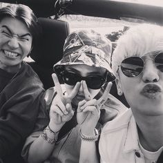 G-Dragon's IG with Daesung + Seungri (150519)