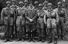 3rd Reich LDR HITLER AND HIS Fallschirmjager Heroes from FT. Eben-Emael