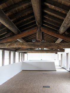 L'unione tra materiali antichi e strutture minimali #architettura #interior
