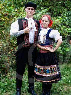 trenčiansky kroj - Hľadať Googlom Folk Costume, Costumes, Heart Of Europe, Traditional Fashion, Folk Art, Apron, The Incredibles, Culture, Skirt Sewing