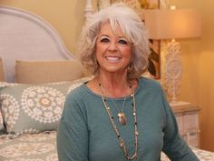 How did Paula Deen lose weight? Find out about the TV chef's weight loss plan after learning she had diabetes and see her amazing after weight loss pictures. House Seasons, Tv Chefs, Weight Loss Pictures, Waterfront Restaurant, Pop Culture News, Weight Loss Secrets, Nyc Restaurants, Forever Living Products, Paula Deen