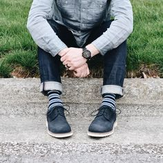 Blue suede shoes and striped socks via Lahman. Rockport Shoes, Blue Suede Shoes, Striped Socks, Summer Looks, Warm Weather, Work Wear, Oxford, Spring, Casual