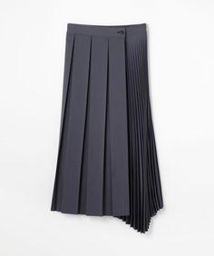 ポリエステルウールプリーツ アシンメトリーラップスカート(22058405704) | スカート | ウエア | ウィメンズ | DES PRÉS | トゥモローランド 公式通販 Draped Skirt, Pleated Skirt, Dress Skirt, Modest Fashion, Skirt Fashion, Fashion Dresses, Culottes, Skirt Outfits, Clothing Items