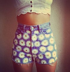 Daisy patterned high waisted shorts.