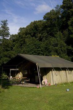 Lodgetent Am Niemetal, Duitsland. Ligt aan een prachtig natuurgbied en de camping heeft een riviertje waar de kinderen dammetjes kunnen bouwen. Heerlijk verblijven in de natuur. www.tendi.nl