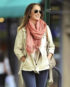 Casual clothes should look as effortless as Minka Kelly makes them look. Casual Outfits, Cute Outfits, Fashion Outfits, Casual Clothes, Minka Kelly Style, Autumn Winter Fashion, Winter Style, Fall Fashion, Dress To Impress