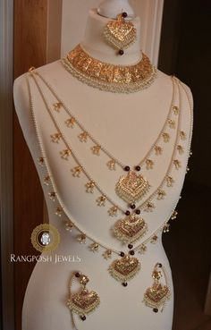bridal sets & bridesmaid jewelry sets – a complete bridal look Antique Jewellery Designs, Gold Jewellery Design, Gold Jewelry, Bridal Jewelry Vintage, Bridal Jewellery, Wedding Jewelry, Fashion Necklace, Fashion Jewelry, Indian Jewelry Sets