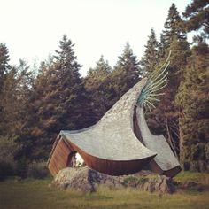 The Sea Ranch Chapel - Like a hobbit house/smurf mushroom Unusual Buildings, Beautiful Buildings, Architecture Unique, Pavilion Architecture, Sustainable Architecture, Architecture Photo, Residential Architecture, Architecture Organique, Crazy Houses